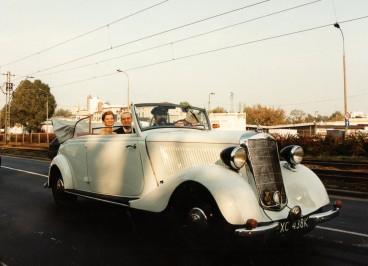 Do ślubu Mercedesem.jpg